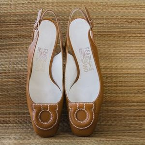 Vintage Ferragamo leather sling back pump heels